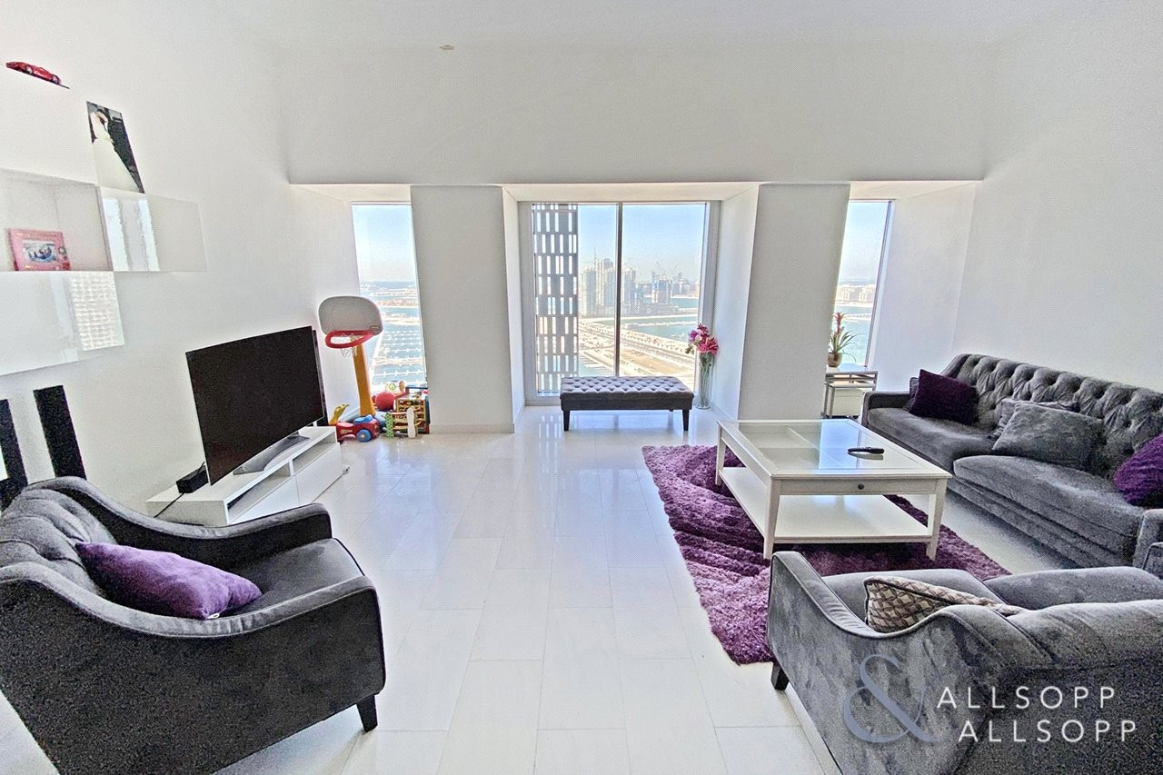High Floor | Large Layout | 2 Bed | Vacant