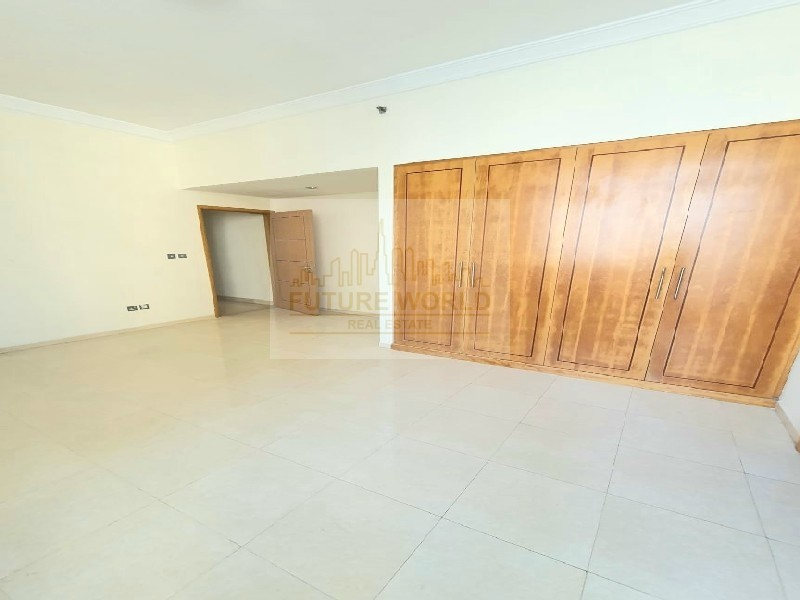 Limited  Time   Luxurious Unit   Huge Size   Kitchen Equipped