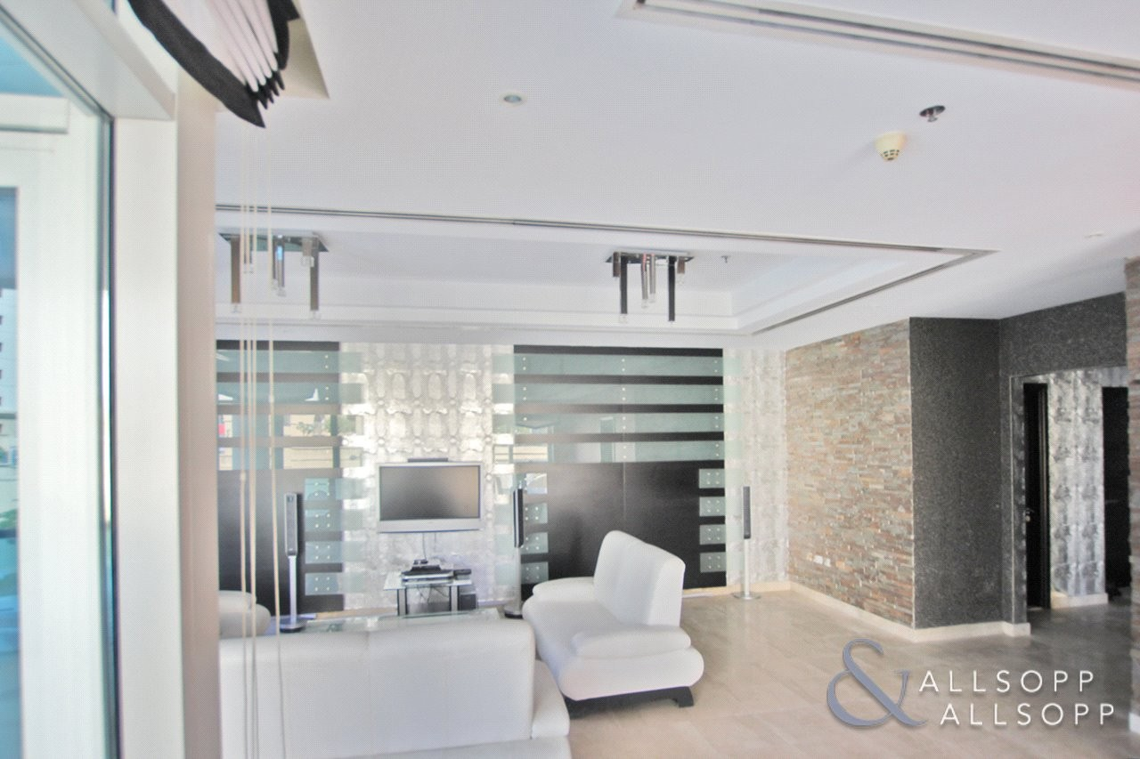 2 BedroomlSpacious | Furnished | Terrace