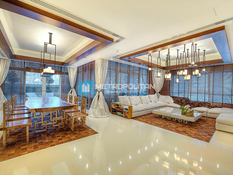 Fully upgraded luxury apartment w/ panoramic view