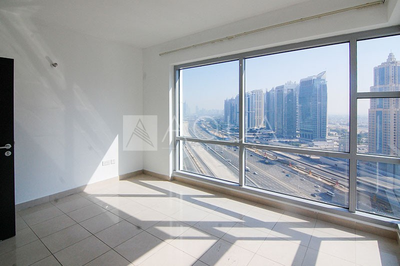High Floor | Bright Unit | Well Maintained