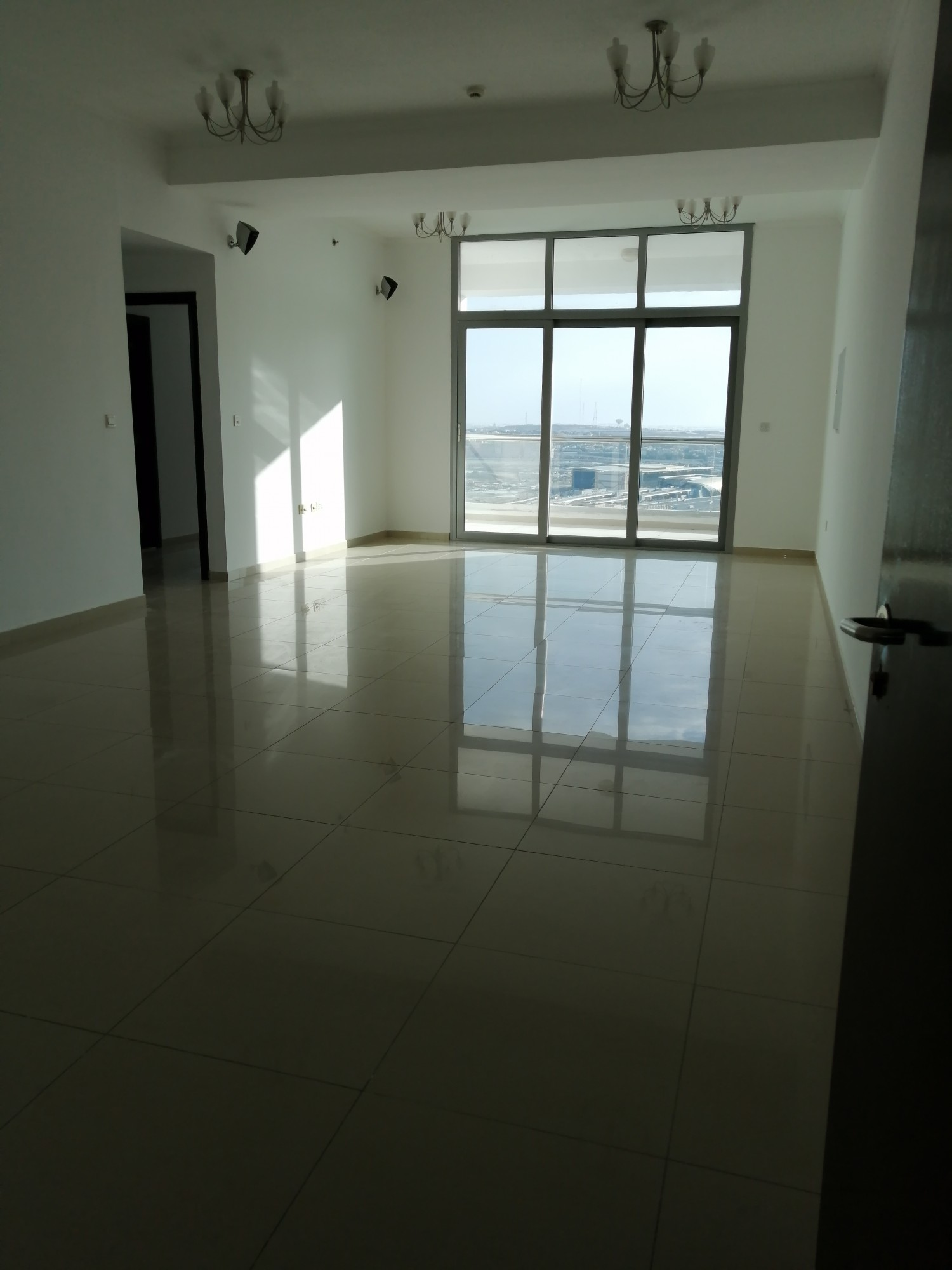 Dubai marina , 2 b/r with very large living room , chiller free , 4 cheques , balcony