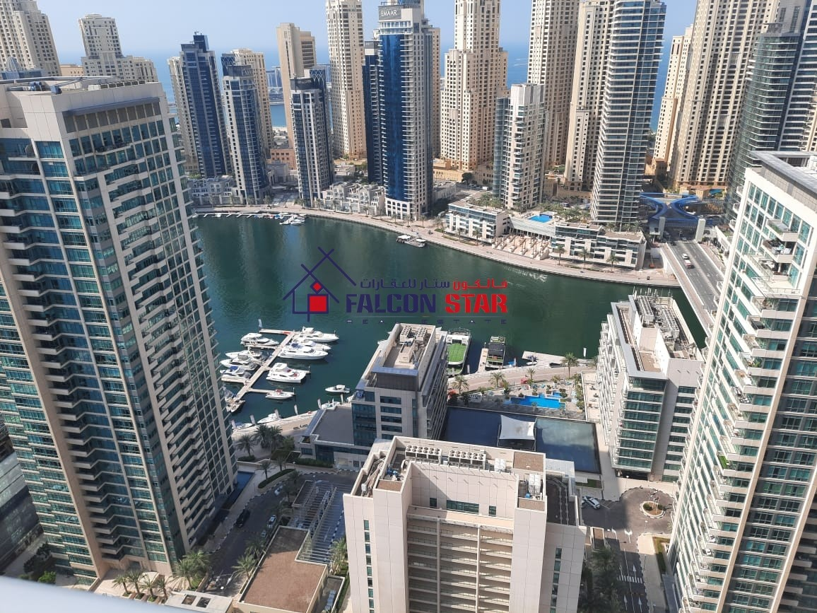 STUNNING LAKE VIEW - HIGHER FLOOR - LARGE SIZE 2 BED WITH BALCONY