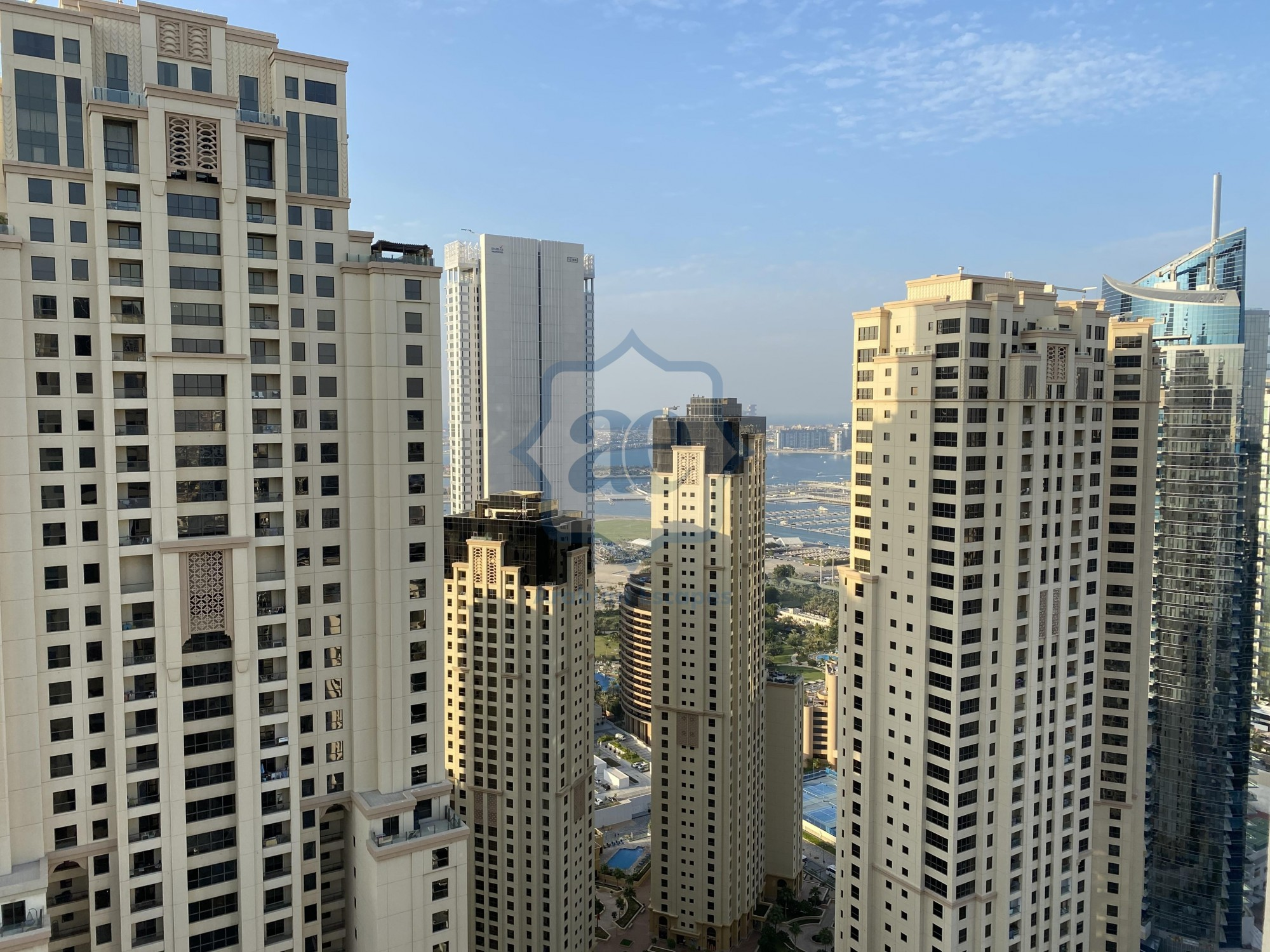 The Strategic Penthouse is in the Best Location in Dubai Marina , One Month free and the Price of the Rent is Negotiable