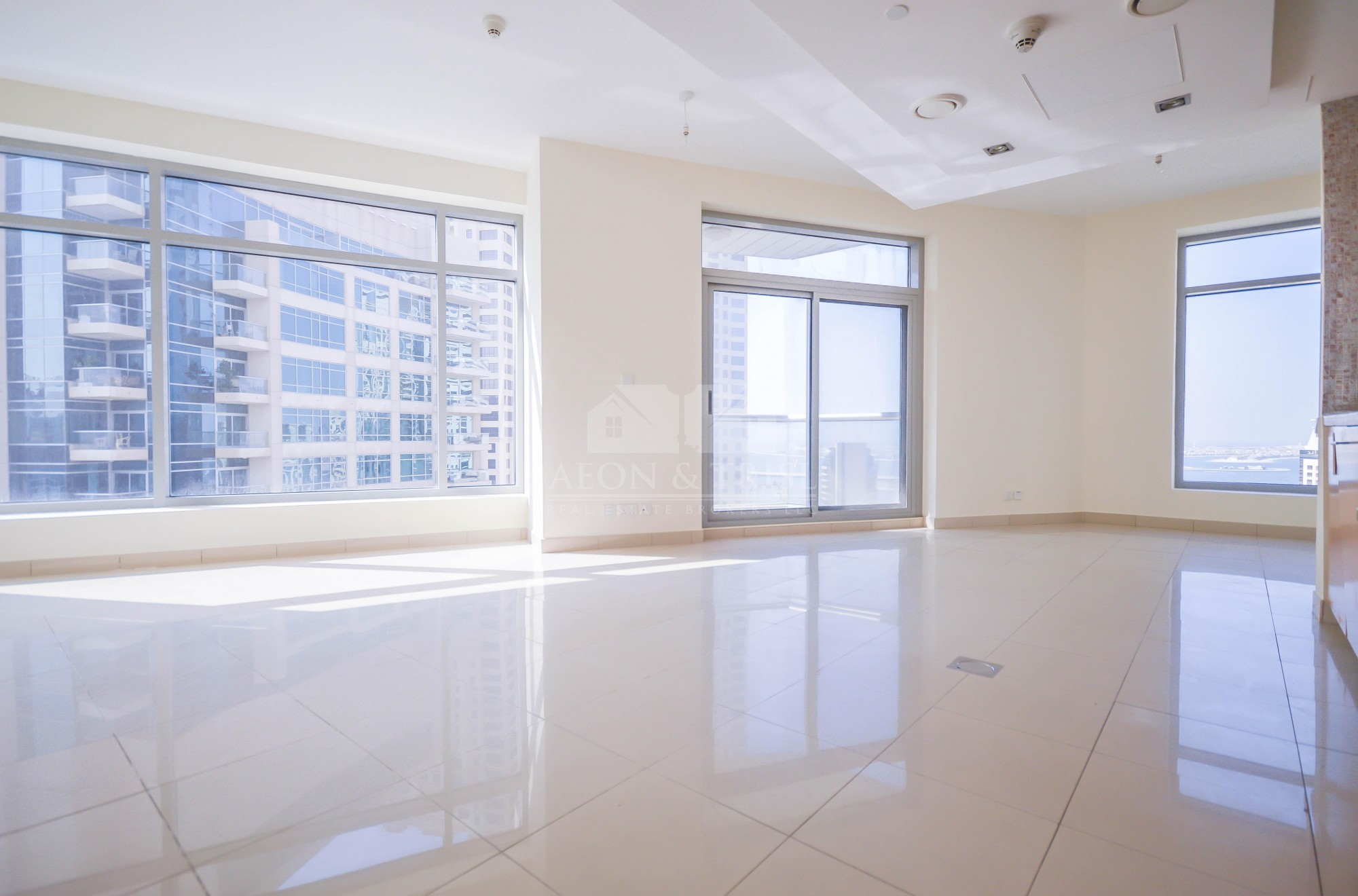Nice 1 bed with Balcony   High floor   Marina view