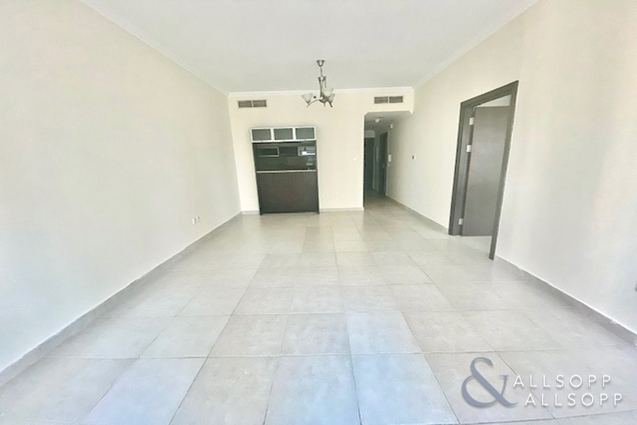 One Bedroom | High Floor | Un-furnished