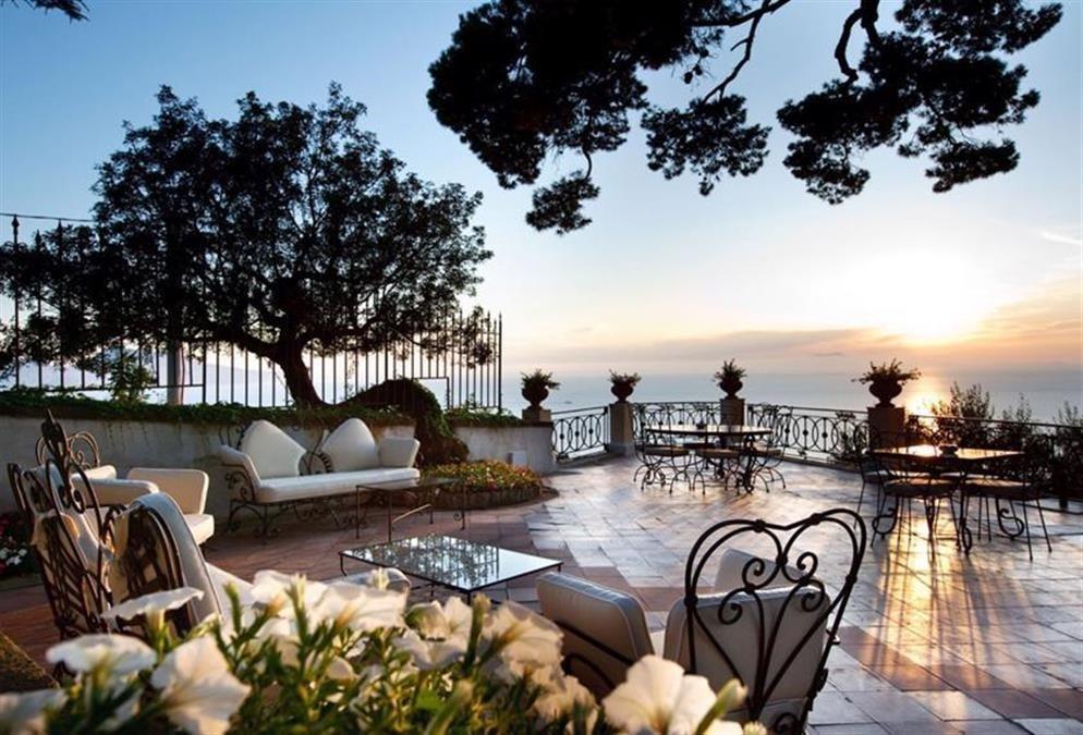 BEACH ENHANCING LIFESTYLE. INCREDIBLE ITALIAN CONCEPT. BVLGARI ISLAND. AMALFI